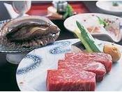 「活あわび付スペシャル会席」ならアワビと国産牛ステーキの両方がお召し上がり頂けます!
