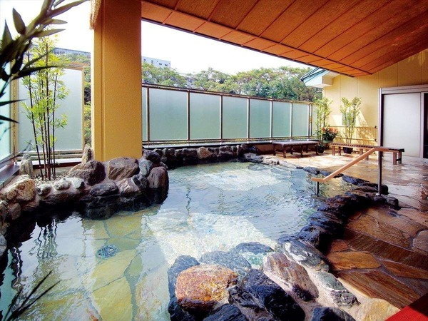 【湯めみの庭】岩風呂