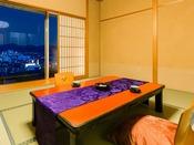 """■夕霧・初音■""""ホッ""""と心安らぐ、和の設え。湯田の街並みを眺めながら、の~んびりとお寛ぎください"""