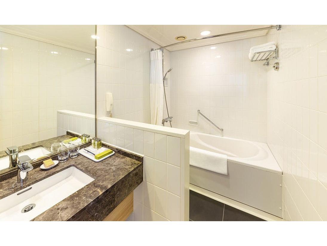 【ツインヒルトン高層フロア】バスルーム
