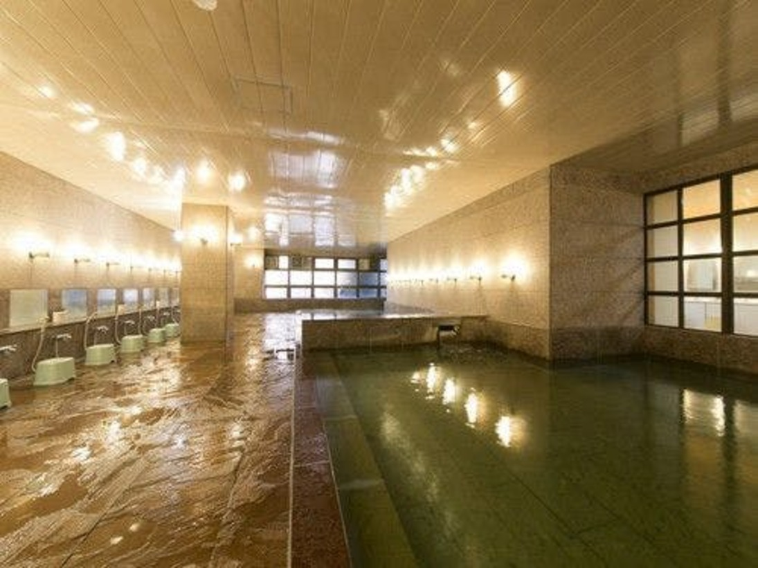 ◆きららの湯/御影石をふんだんに使用した、清潔感あふれる大浴場。