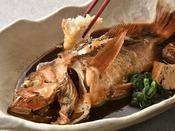地魚の煮付け 甘辛の出汁汁は旨みが凝縮