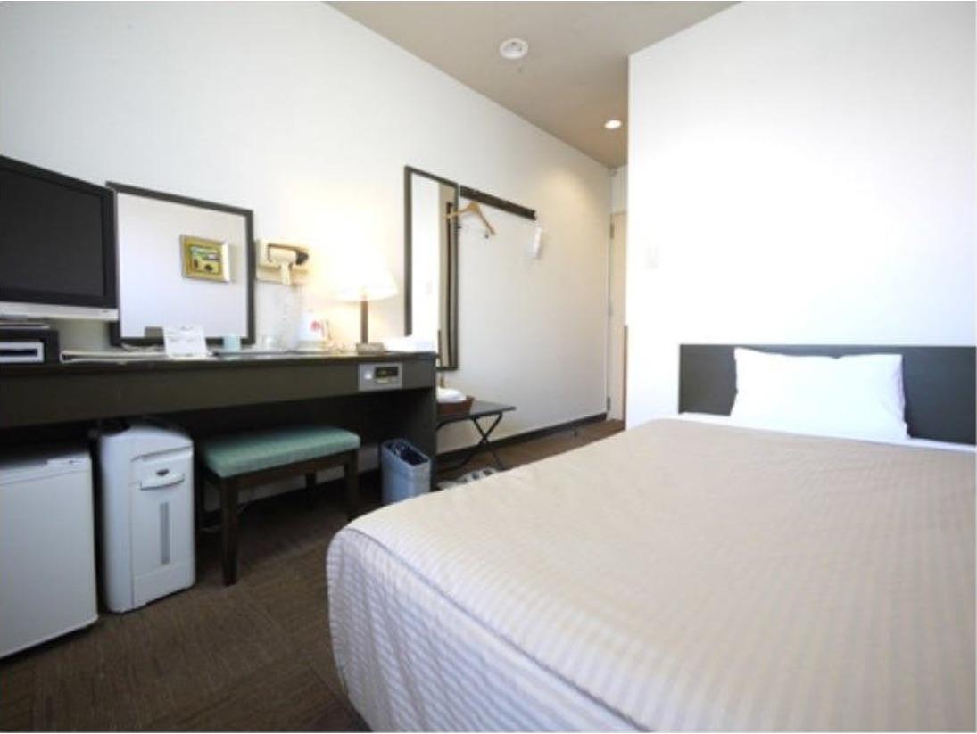 コートヤードシングルルーム:無料Wi-Fi、加湿機能付空気清浄器、液晶TV完備!※ユニットバス無