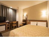 コンフォート ダブル 禁煙(夜)ベッドサイズ1500 × 1960mm 大切な方とのプライベートユースにオススメです。ゆとりのベッドサイズが名古屋観光で疲れた体を癒してくれます。※小学生以下のお子様の添い寝は無料で承ります。