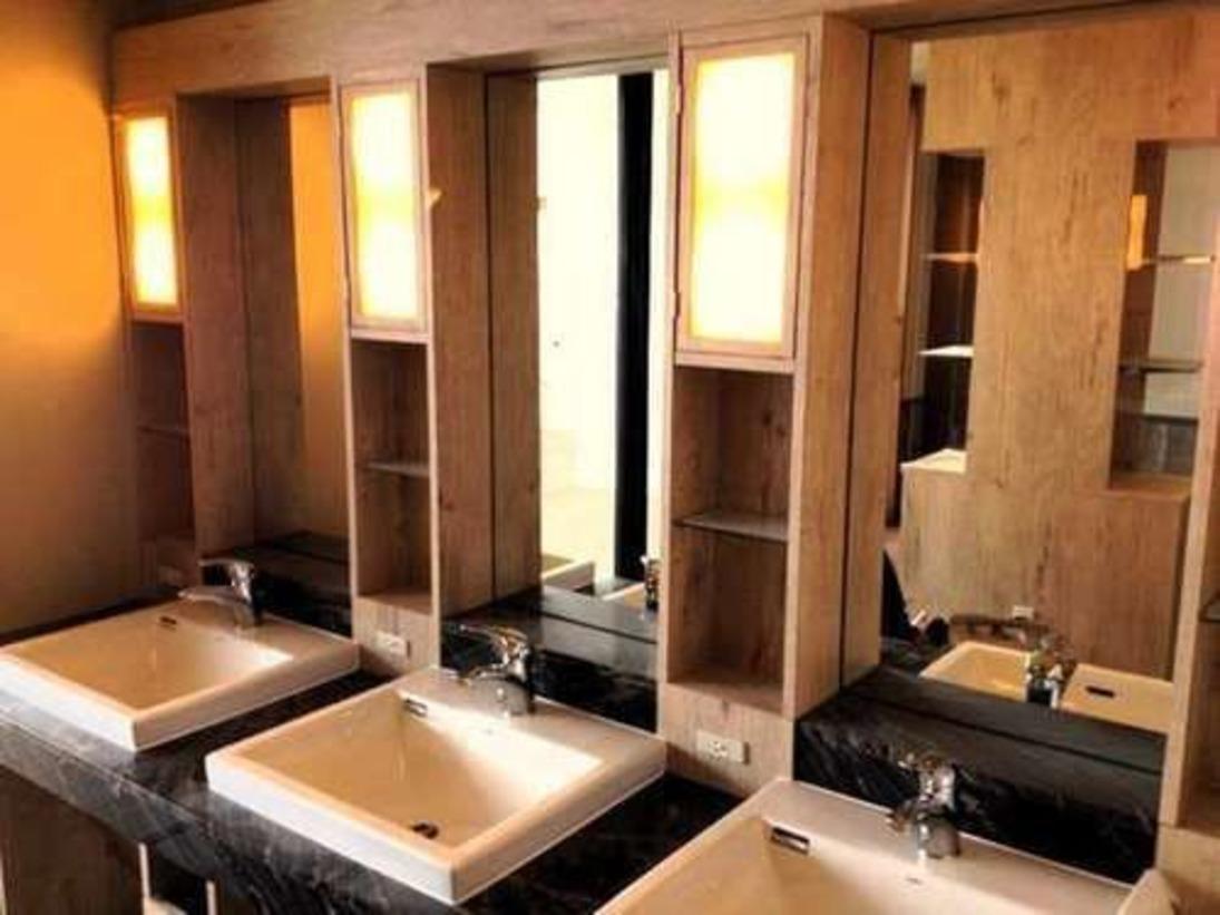 男性大浴場 脱衣室