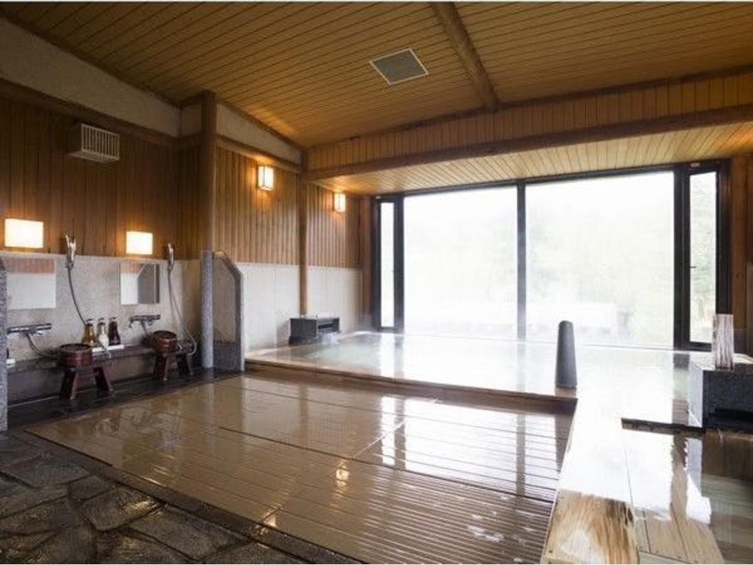木の香りと良質な温泉の大浴場。