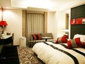 プレミアムエグゼクティブダブルゆったり200センチ幅ベッド。