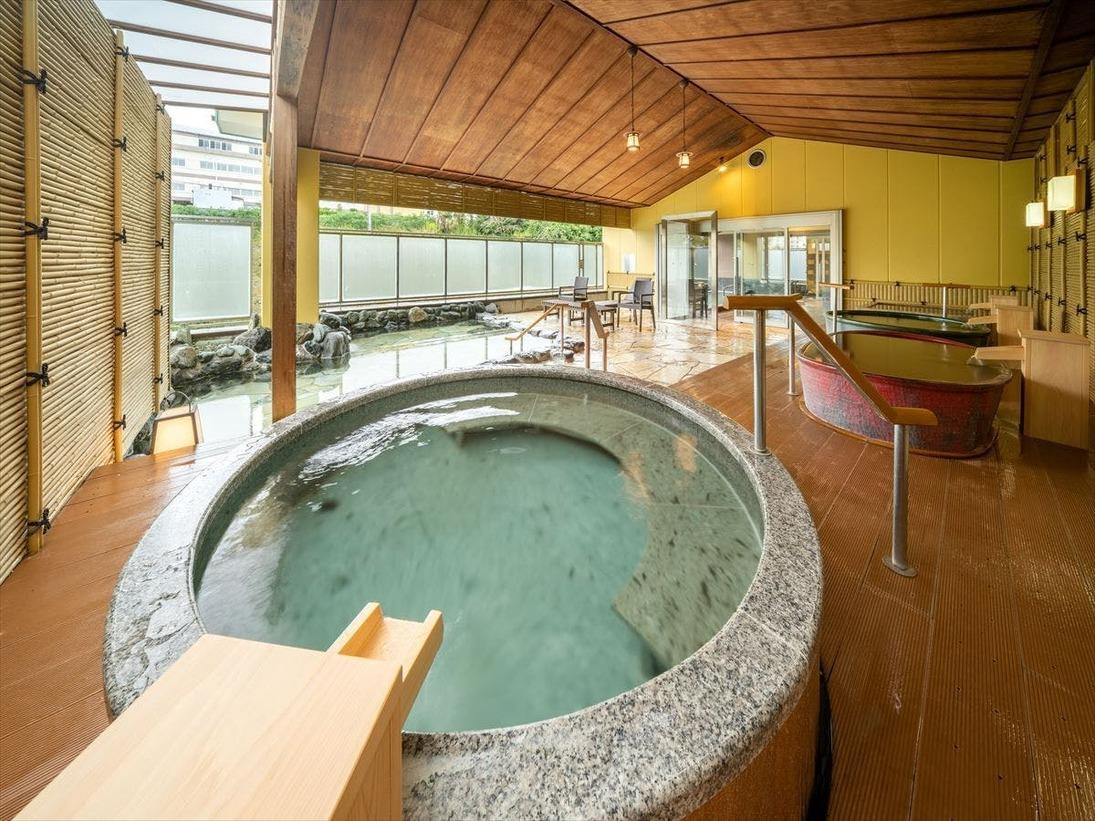 【湯めみの庭】湯船に純金を使用した伝説の黄金風呂