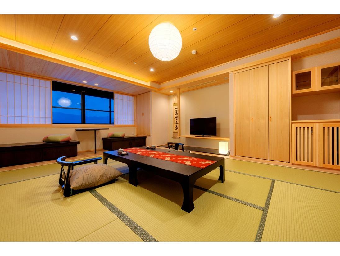 【天誠リニューアル10畳】土佐ヒノキを使用した癒しの和室。カウンターや掘り炬燵風のベンチを設置し高知城下の景色も愉しめる