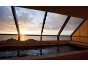 最上階にある展望浴室「霑(てん)」では三熊山の麓を源泉に持つ名湯洲本温泉をお楽しみ頂けます