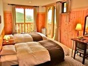 ホテルで最も眺めの良いお部屋。浅間山・蓼科山ビュー。