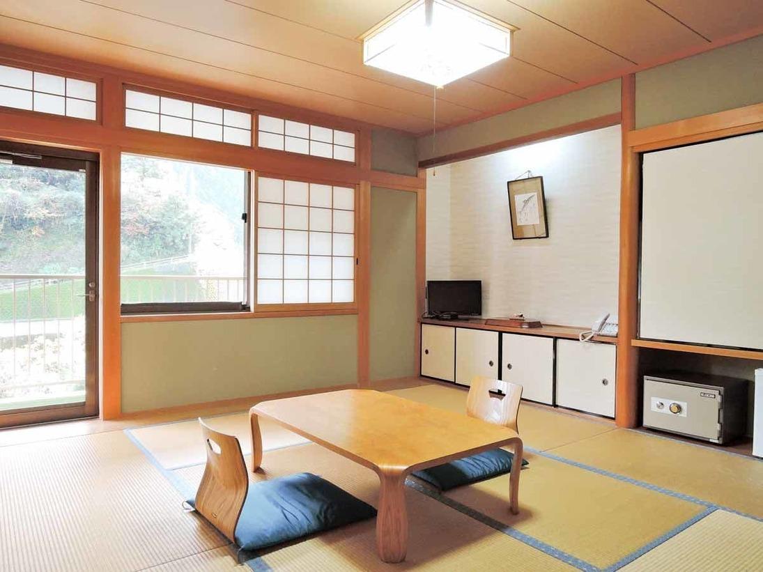 *【和室8畳】龍神の檜をふんだんに使った和室