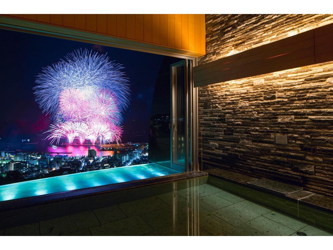 温泉から見る熱海海上花火大会