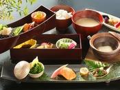 ◆朝食◆朝の光が差し込むお食事処で、良いものふんだんに使ったご朝食を