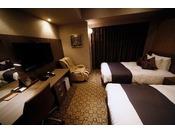 ■ツインルーム■20平米 40インチTV 120cm幅ベッド×2台
