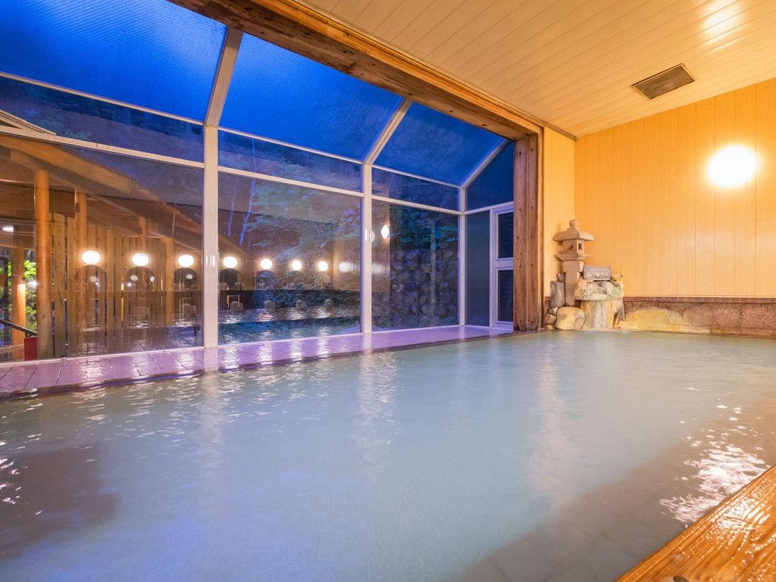 室内でも良質の温泉が楽しめます♪広~いお風呂で、ゆ~っくり体を伸ばしていただけます