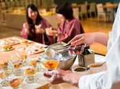 【夕食ブッフェ一例】季節によって様々な実演メニューのワゴンサービスが登場します。