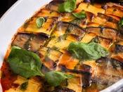 夕食ブッフェ一例】野菜をたっぷり使ったお料理の数々は身体に優しい味わいです。