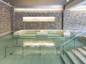 【お好み風呂HA-SHI-GO】立ち湯や座湯、季節の湯など、バラエティ豊かなお風呂をお好みで。