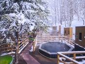 【森の散歩湯WOOD SPA】温まった身体を冷ましながら湯めぐりを。