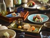 【日本料理】旬の食材を使用した、目にも美しい本格会席をお楽しみください ※イメージ