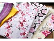 【サービス】女性に好評の色浴衣。明るい色から落ち着いた色までご用意。(別途有料)