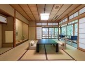 月日亭で眺めが良い離れ家「柳」の間。風呂付トイレ付和室8畳。