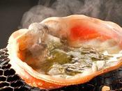 甲羅から立ち上がる「味噌」の香り、アツアツのカニ味噌がお口の中に広がります。