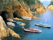 青海島観光汽船(当館より車で20分)