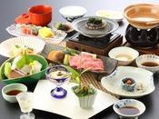 夏会席「月舟」:山口県産・鱧をはじめ、仙崎イカ、白バイ貝など、山口の夏を少しずつ色いろとご賞味くださいませ。