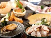 特選冬会席「清月:鍋物に、旬の「とらふくちり」ご用意いたしました。天然白身や活鮑、生イカに甘鯛など、料理長厳選の引き締まった冬の幸をご賞味くださいませ。