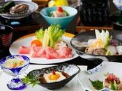 夏の特選会席「紫野」:仙崎の天然白身に仙崎イカ、生うに、甘鯛、鯵…。ご当地ならではの新鮮さでご堪能くださいませ。