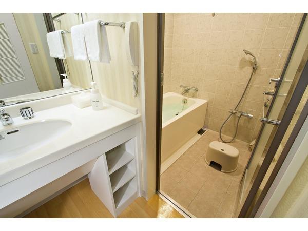 全室洗い場付きのバスルーム