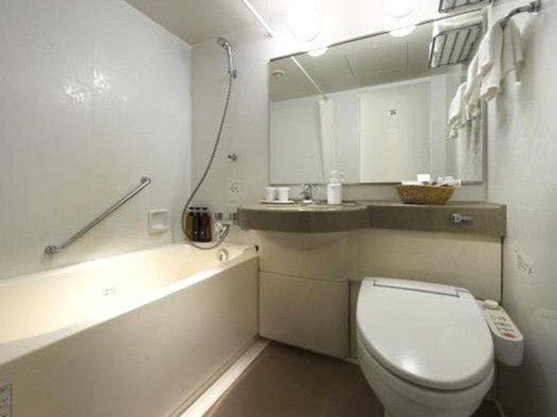 【浴室】バスタブはゆったりサイズ