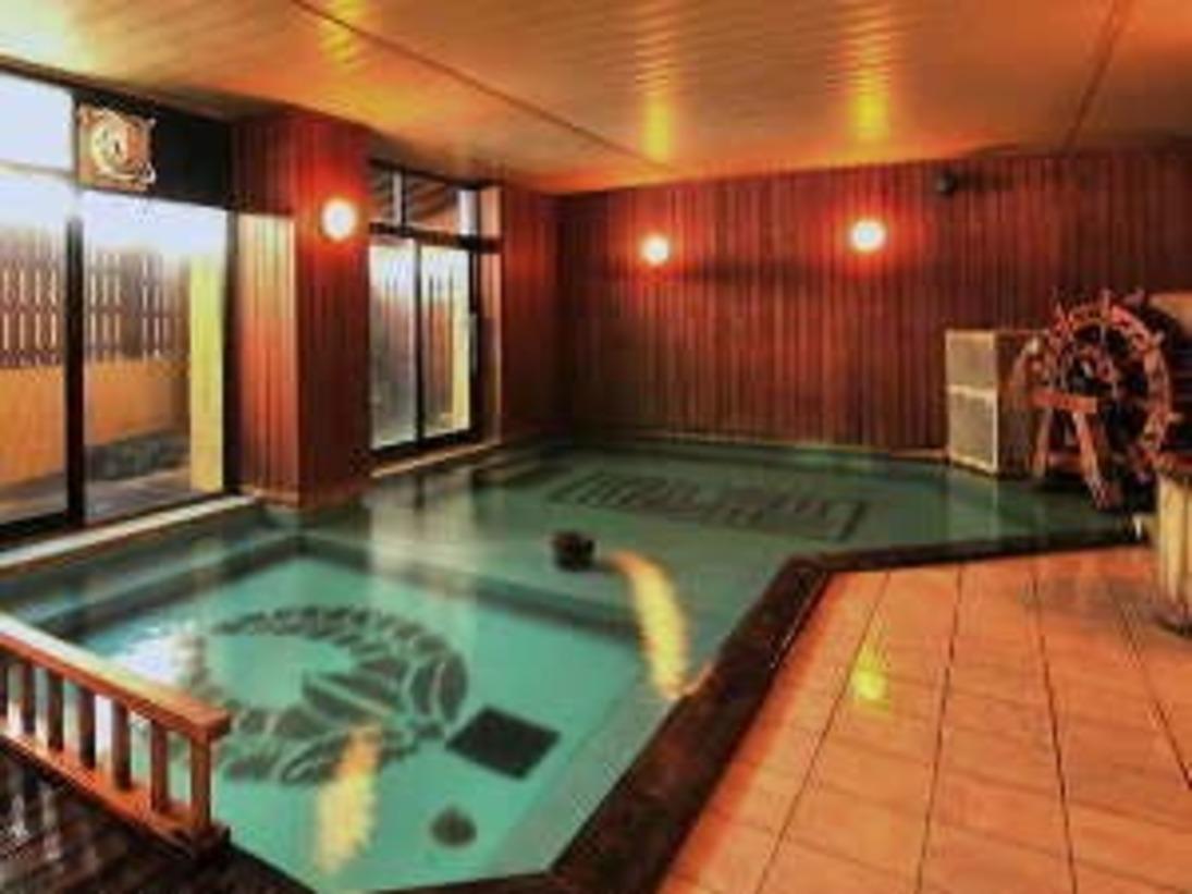 落着いた雰囲気の大浴場。当館は希少な湯畑源泉100%掛け流し♪