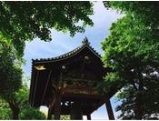 【世界遺産 西本願寺】重要文化財の鐘楼。国宝 飛雲閣の前で見つけてください。