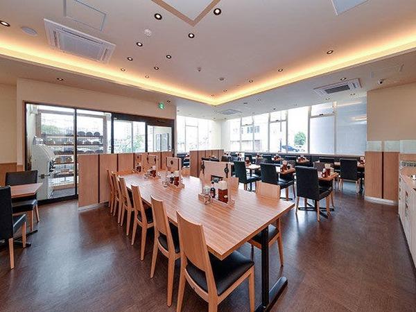 ご朝食会場は1階やよい軒。