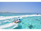 小浜島の海を駆け抜ける爽快なマリンプレイ