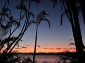 はいむるぶし園内にあるサンセット広場からは、西表島を望む美しい夕景がご覧いただけます。