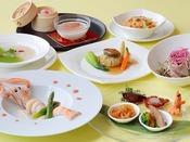 【皇家龍鳳/B1F】料理イメージ 本格広東料理をお愉しみください