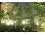 【中庭】夏霧。