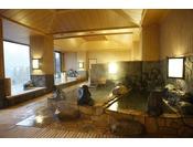 【大浴場】季の湯。宿にいながらにして楽しめる湯めぐりがここから始まる。