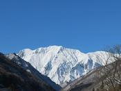 晴天の谷川岳