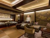 露天風呂付き プレミアム・スイートA(山側)ご家族にもご利用いただける約89平米の客室は、空間美を意識した和の設えを基本に洋室の快適さを融合。
