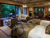 露天風呂付き ガーデン・スイートA(川沿い)ベッドに横になりながら、耳を澄ますと、せせらぎの音、小鳥の声が届きます。山間ののどかな時間をお過ごしくださいませ。