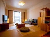 【エグゼクティブフロア】 和スイート/ 琉球畳のリビングルーム