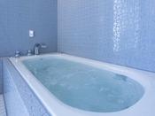 半露天風呂+内湯(ジャグジー付)ラージダブル客室204号室※源泉100%掛け流しの温泉お二人ゆったりの広めの浴槽