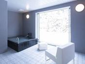 ミストサウナ付スイート ラージツイン105号室半露天風呂+シャワーブース+ミストサウナ60平米※源泉100%掛け流しの温泉お二人ゆったりの広めの浴槽