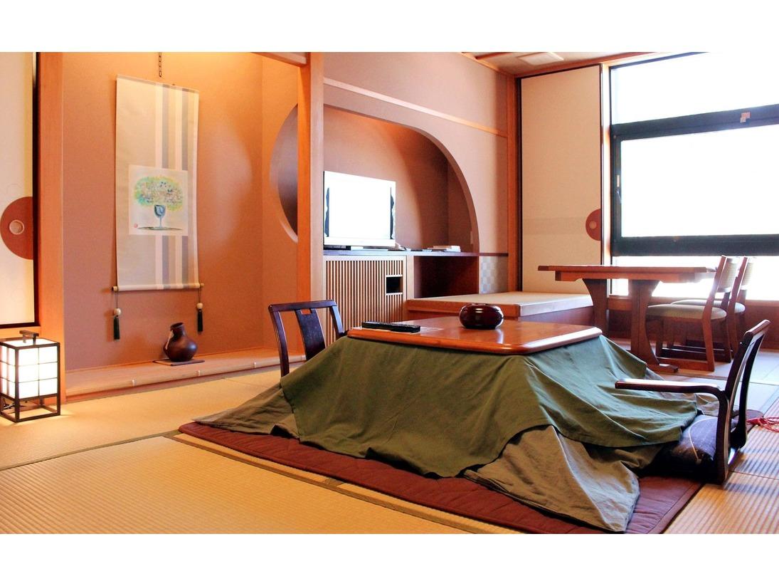 最上階和室〈禁煙〉/純和風の10畳和室に、ダブルシンクのパウダールームが備わったお部屋です。