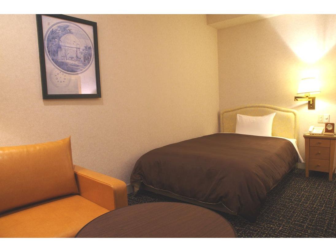 シングルルーム/・広さ:21平米  ・ベッド:1台  ・全室禁煙  ・WiFi:無料